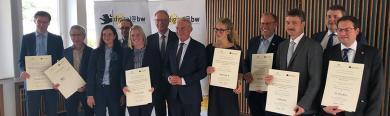 Innenminister Strobl und Gemeindetagspräsident Kehle übergeben die Förderbescheide